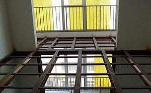 巧妙利用钢结构隔层,地下室一层变两层