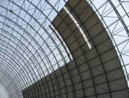 钢结构网架安装需要修正哪个位置?