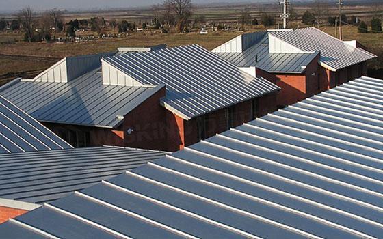 钢结构屋面彩板安装施工方案详解