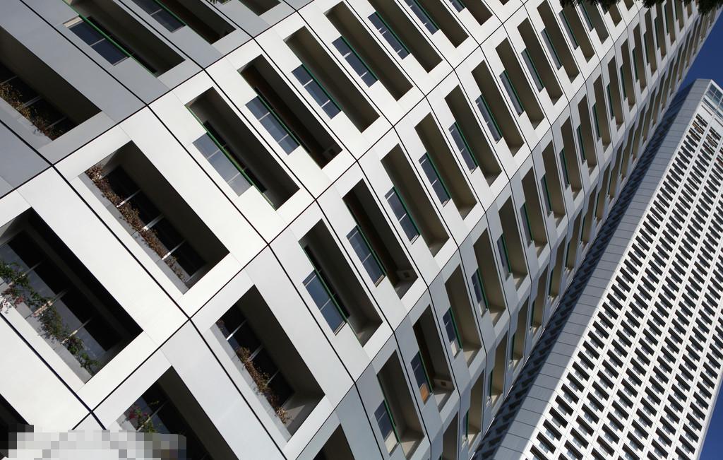 比较高层钢结构和高层混凝土结构的区别